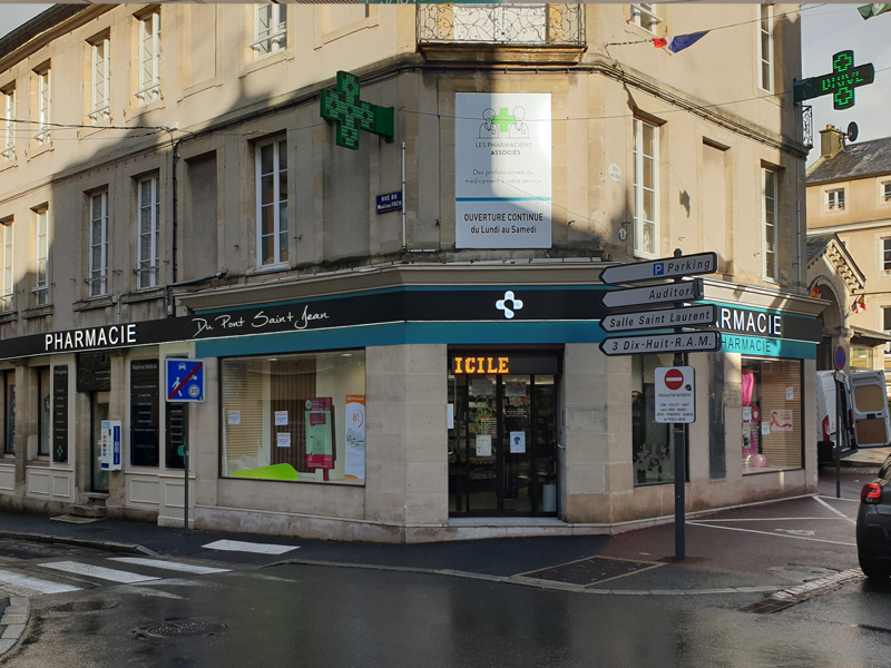 Devanture pharmacie à Bayeux