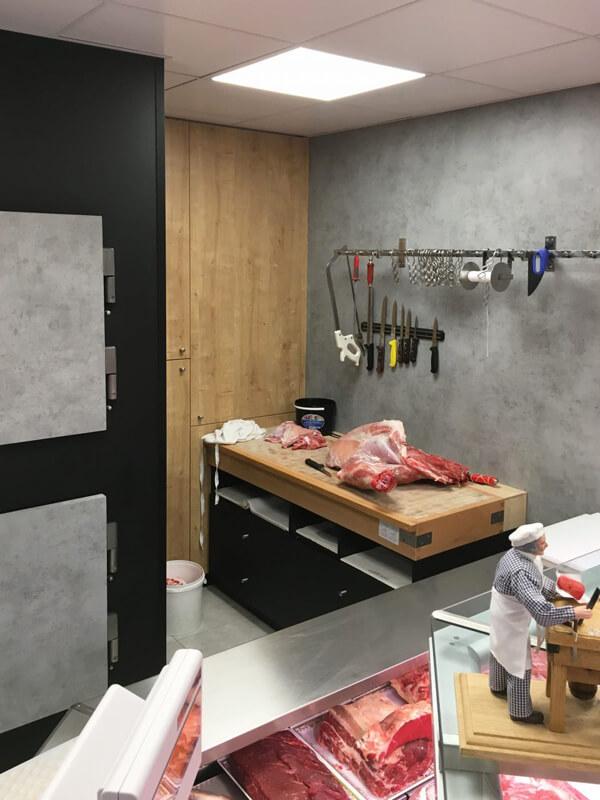 Table de travail dans une boucherie Torigny-les-Villes