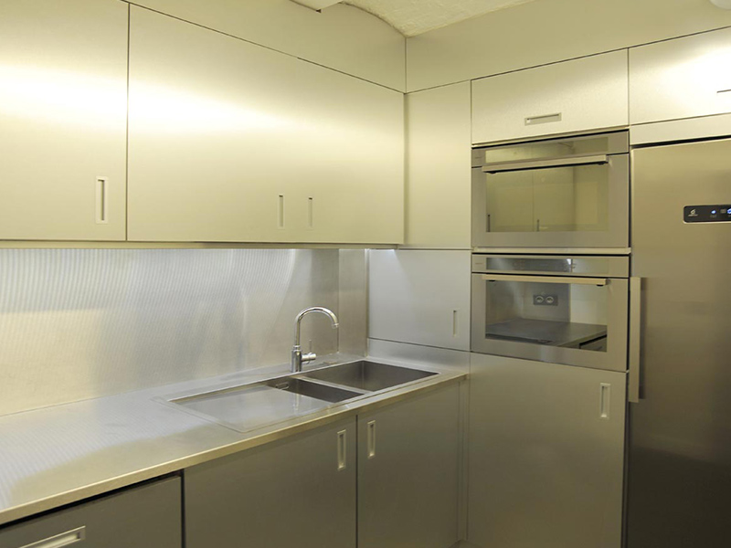Agencement d'une cuisine dans des bureaux à Paris
