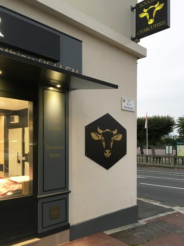 Enseigne extérieure boucherie Torigny-les-Villes