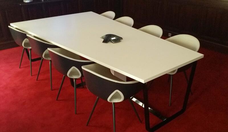 Réalisation d'une table de réunion