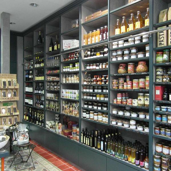 Agencement d'une épicerie fine à Paris