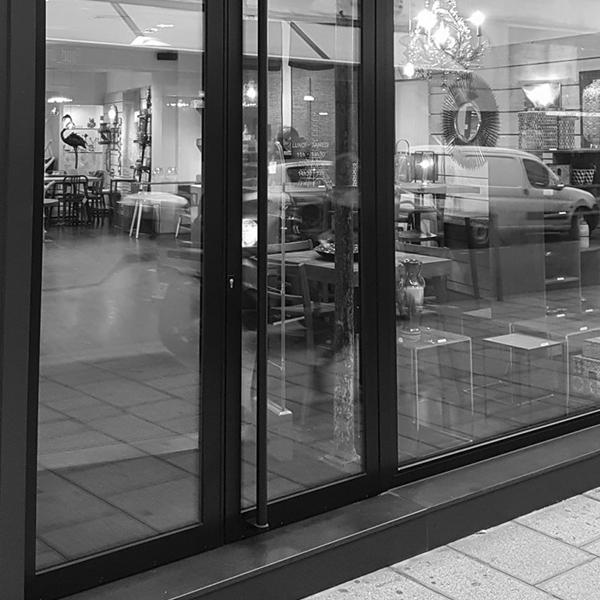scénographie magasin meubles et déco