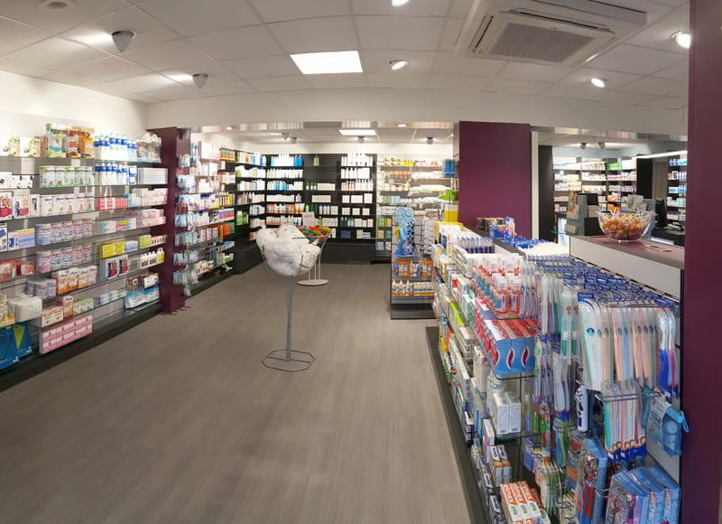 Aménagement d'une pharmacie à May-sur-Orne vue d'ensemble