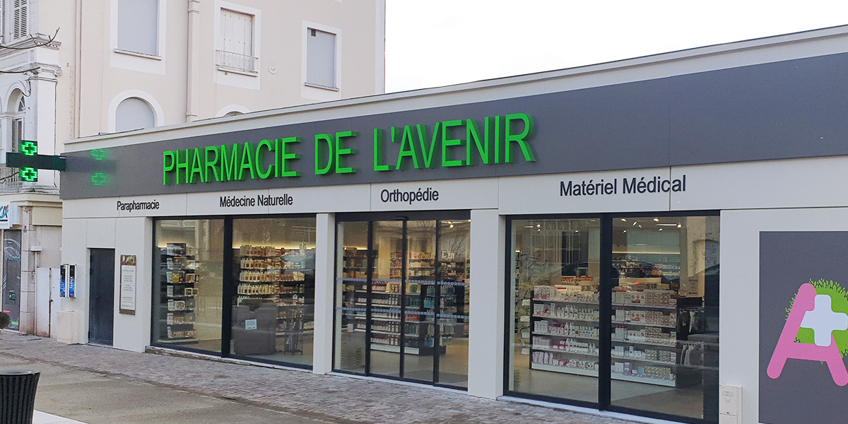 Agencement pharmacie à Orbec.