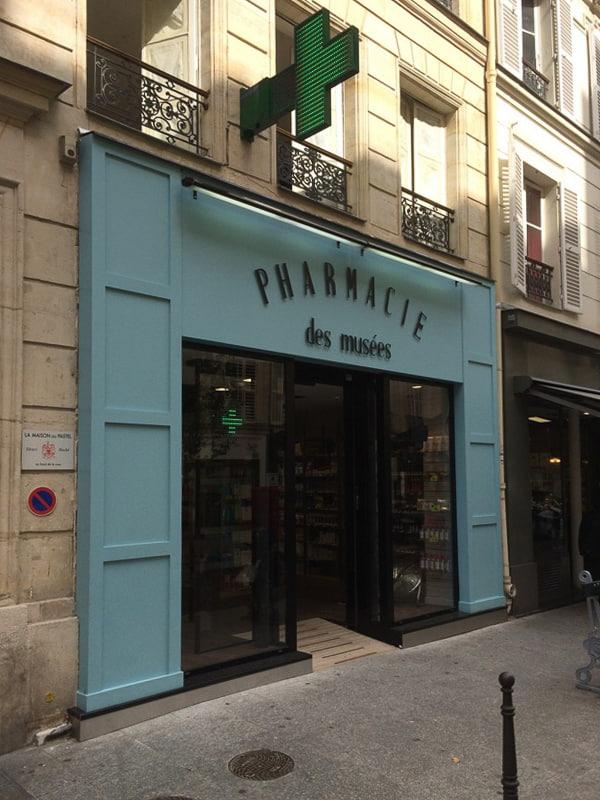 Devanture pharmacie Paris