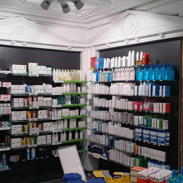 Agencement d'une pharmacie à Saint-Mandé