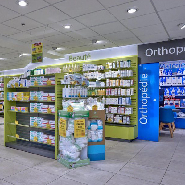 Agencement de la pharmacie Saint-Nicolas-de-Redon