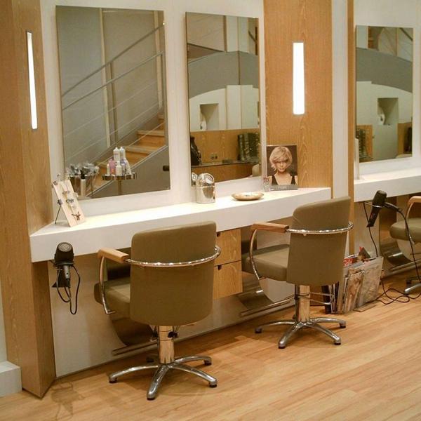 Agencement d'un salon de coiffure à Angers