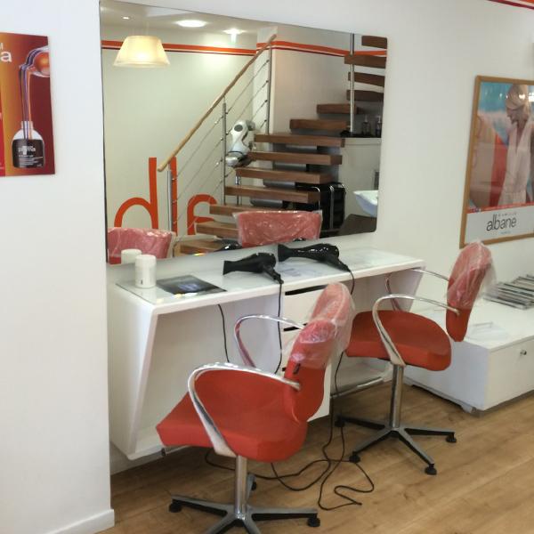 Agencement d'un salon de coiffure à Caen