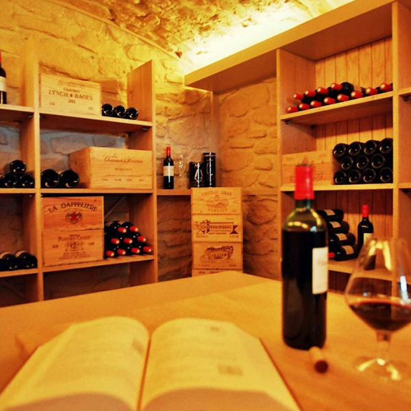 Aménagement d'une cave à vins en Suisse