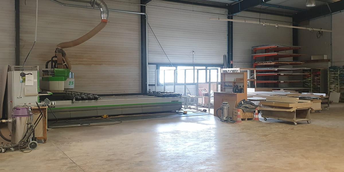 Vue intérieure des ateliers de TM Agencement à Colombelles