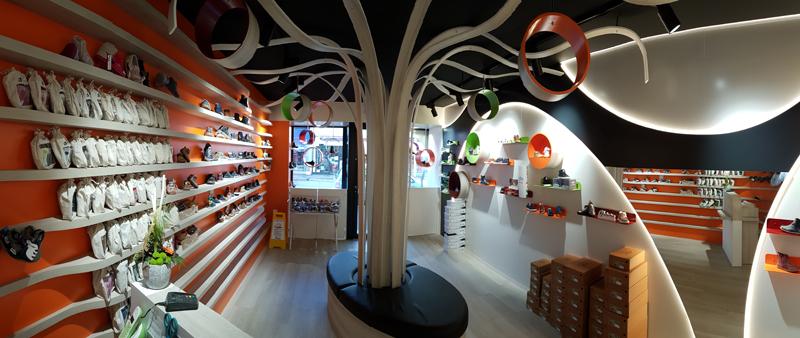 Agencement d'un magasin de chaussures pour enfants à Saint-Lô