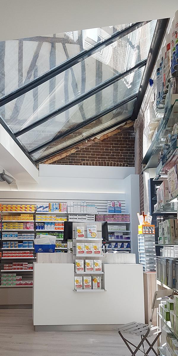 Installation comptoir de pharmacie à Bernay.
