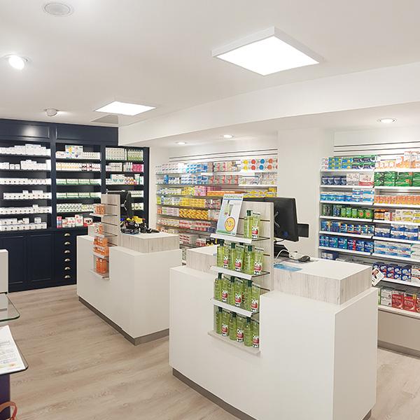 Aménagement d'une pharmacie à Bernay