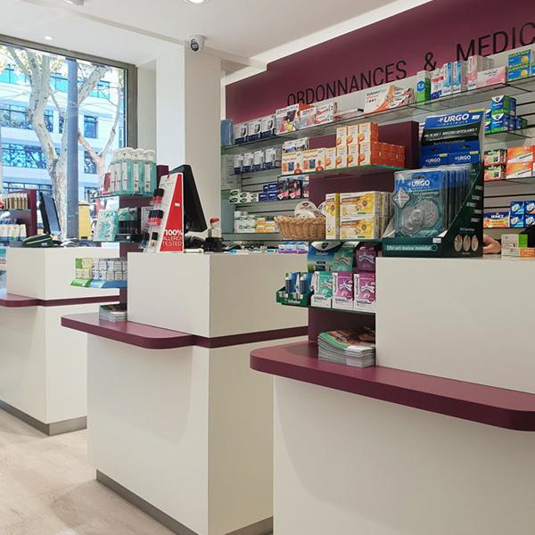 Comptoirs de vente pharmacie