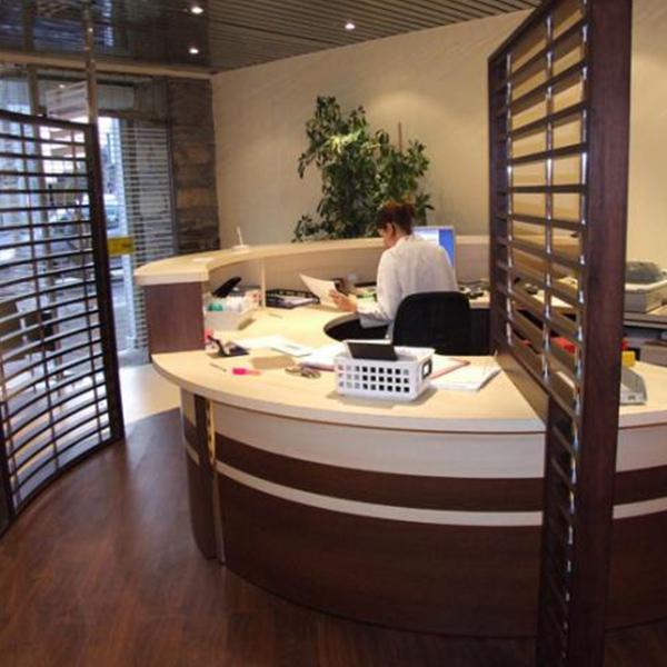 Création d'une banque d'accueil pour un laboratoire d'analyses médicales