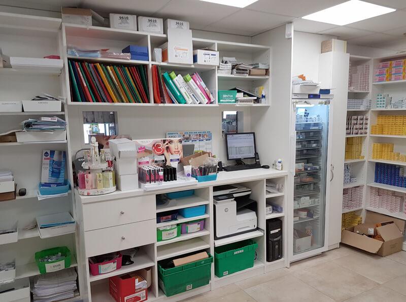 Création, fabrication et installation d'un espace bureau et rangements