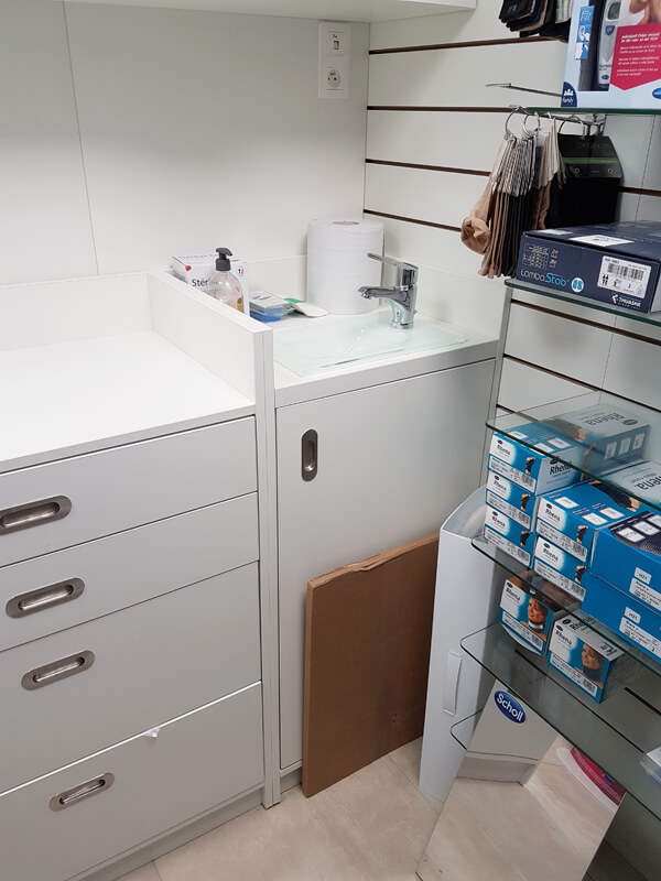 Création d'un point d'eau dans une pharmacie
