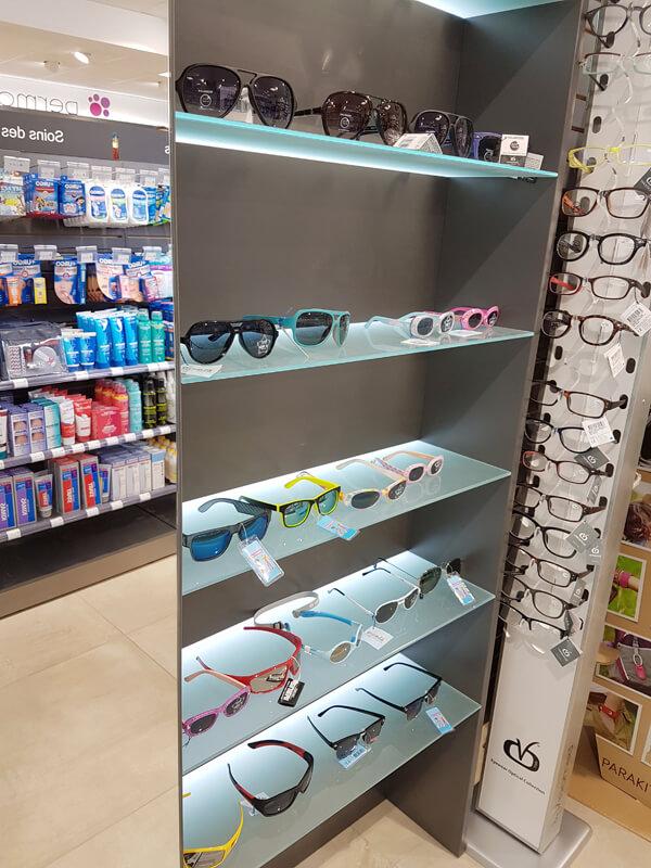 Tablettes de présentation pour lunettes de soleil