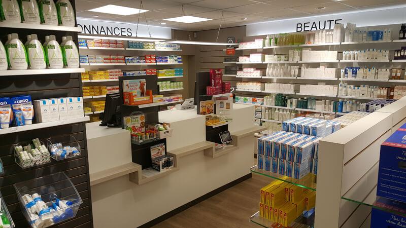 Agencement d'une pharmacie à Saint-Sauveur-Lendelin