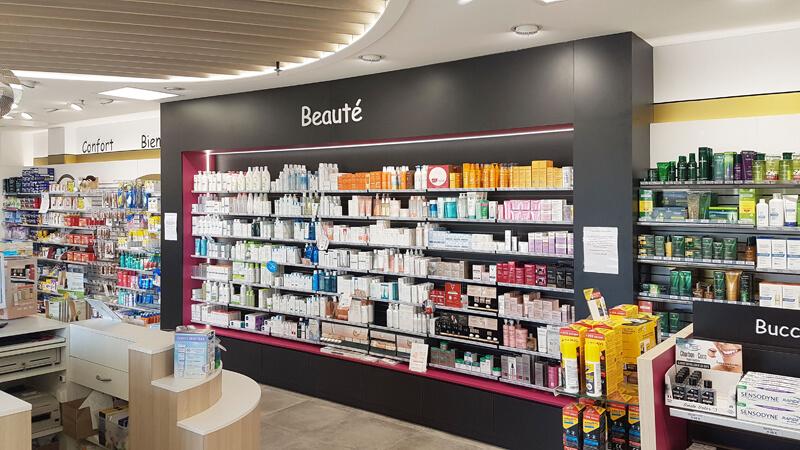 Espace beauté d'une pharmacie à Fontenay-le-Comte
