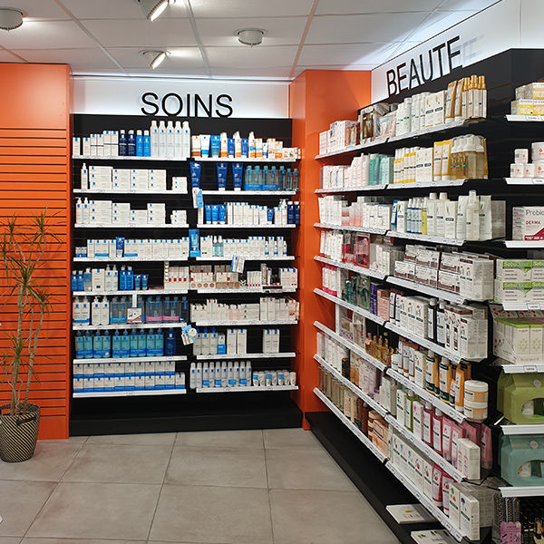 Installation Technolam dans une pharmacie du Havre.